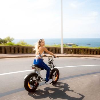 Le Pays-Basque c'est un peu comme la version française de la côte californienne 🤙  On y sent comme un air de vacances entre océan, surf, pelote, fiesta, cidre et gâteaux basques en veux-tu en voilà. Ajouté à cela un p'tit Super73 pour parfaire le tableau et on ne peut que passer du bon temps, cheveux aux vents, de Biarritz jusqu'à la frontière espagnole 🌶🇪🇸
